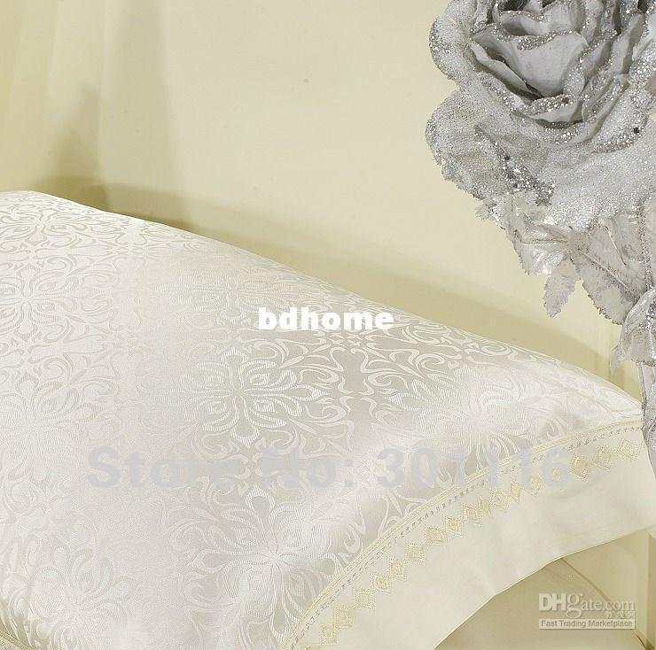 4PCS Luxurious Embroidery jacquard wedding bedding set / Jacquard Bedding set/ duvet cover set